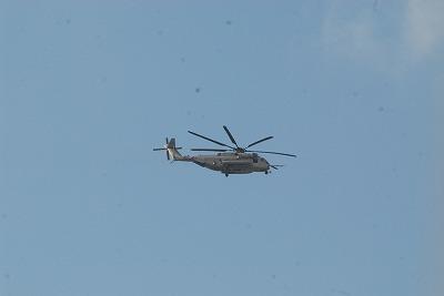 那覇市上空の米軍ヘリ 003.jpg
